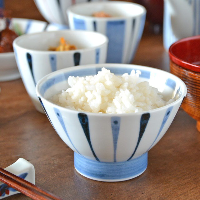 和食器・砥部焼 青線の茶碗(小)