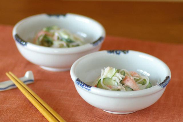 和食器・砥部焼 白いギザギザ小鉢(3.5寸)
