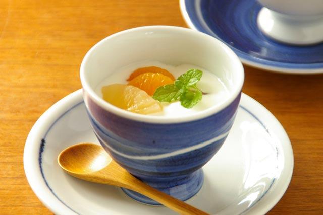 【砥部焼 向井窯】青いフリーカップ