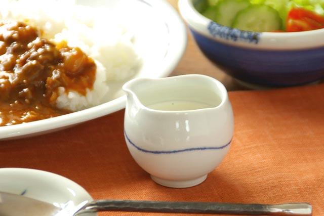 【砥部焼 向井窯】白いくねくねミルク入れ
