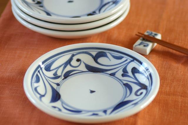 【砥部焼 千山窯】からくさの玉ぶち皿(5.5寸)