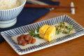 【砥部焼 梅山窯】とくさ柄の布目角皿(6.7寸)