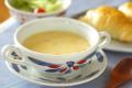 和食器・砥部焼 ごす赤菊のスープカップ&ソーサー