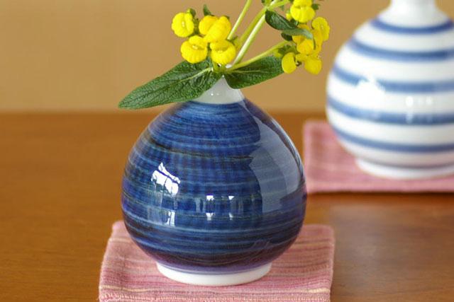 和食器・砥部焼 藍色のぷっくり花器