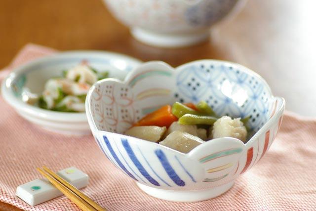 【砥部焼 陶房遊】彩り紋の鉢(小)