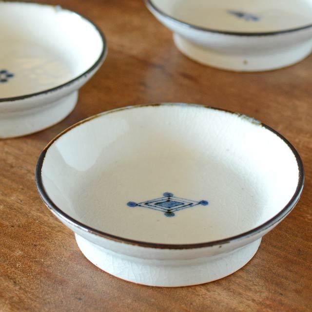 和食器・砥部焼 菱紋の古砥部小皿(3.5寸)