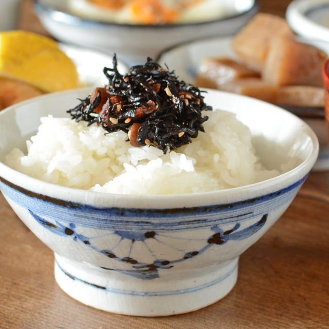 和食器・砥部焼 菊文の古砥部茶碗(大)