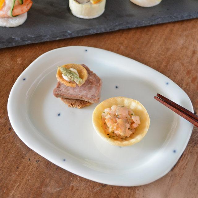 プチプチ柄のリム付楕円皿