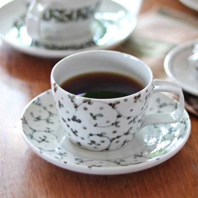 和食器・砥部焼 唐草紋のコーヒーカップ