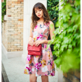 ひときわ印象的で美映えフラワーワンピース■岸本セシルさんはピンク着用
