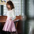 スイートbut上品なバックレースアップスカラップスカート 堀田茜さんはピンクを着用