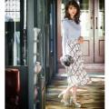360°隙なく可愛い華やかフラワー×チェック柄プリーツスカート 堀田茜さんはオフホワイトを着