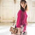 腰元リボンで華奢に着こなすパール釦4WAYシャリ感ニットプルオーバー 堀田茜さんはピンク着用