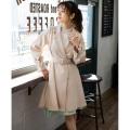 キュートかつ高感度な袖りぼん付きトレンチコートtocco closet(トッコクローゼット) Collection 泉里香さんはベージュ着用