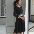 ワンランク上のグッドガール♪配色ライン入りニットワンピース 美香さんはブラック着用≪tocco closet luxe≫