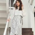 イノセントな美人感♪りぼん&パール付きレースタイトスカート 美香さんはオフホワイト着用≪tocco closet luxe≫