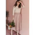 ヒロイン級のメジャーコーデが完成するシャイニーサテンプリーツスカート美香さんはピンク着用≪tocco closet luxe≫