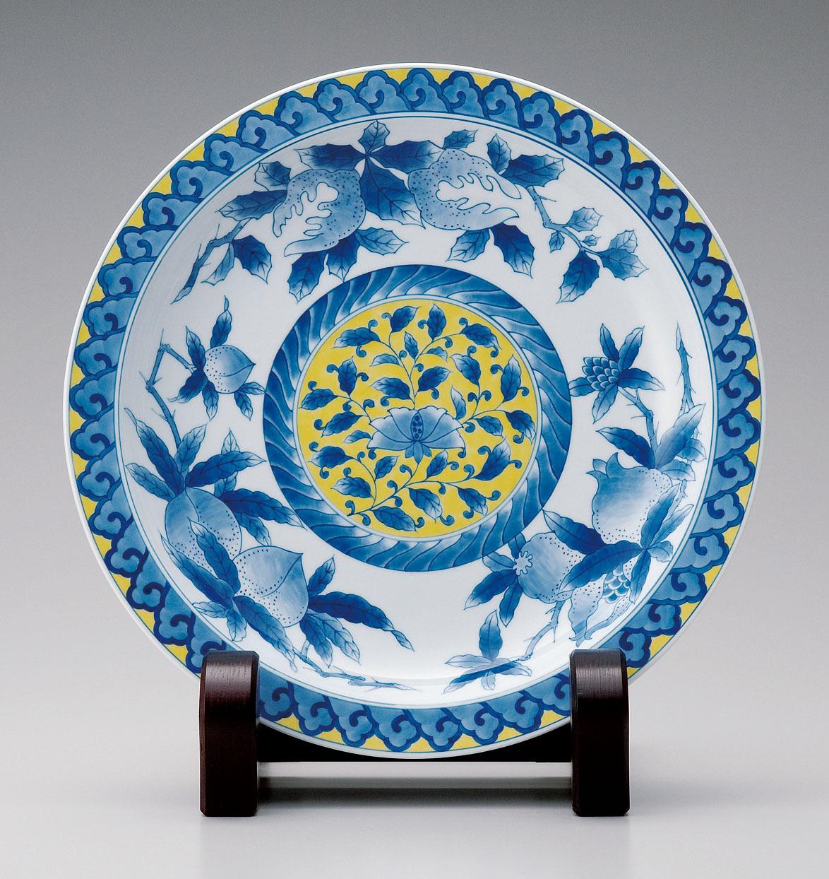 尺三寸皿−黄地三果文