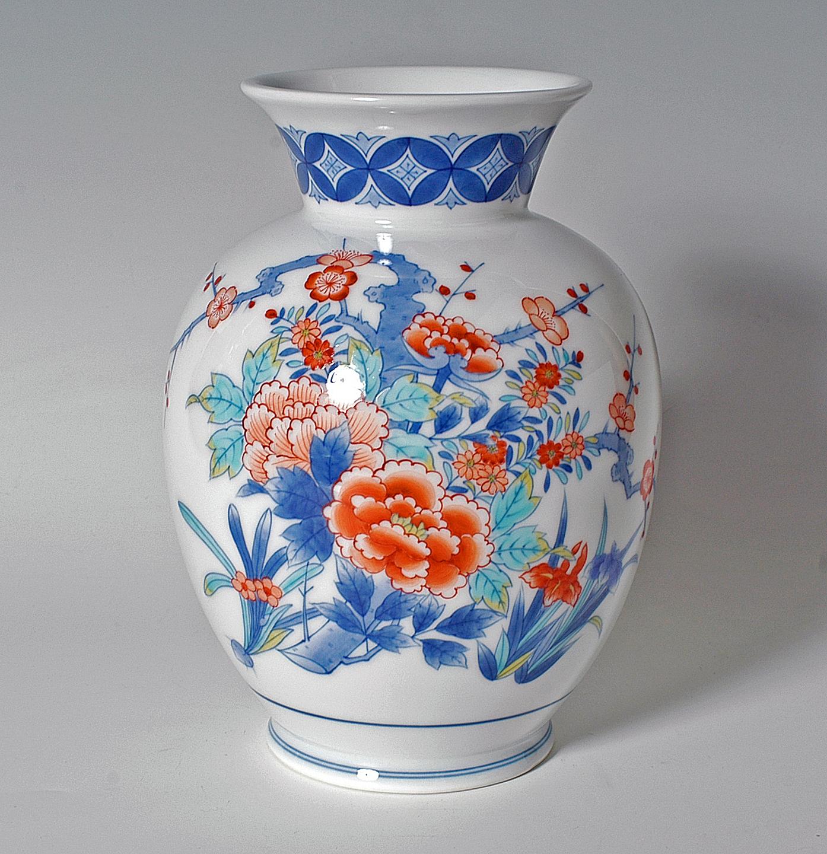 胴花瓶(小)−吉祥草花文
