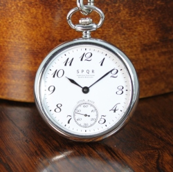 【SPQR 待望の手巻機械式提げ時計!!】SPQR HAND WINDING POCKET (手巻き提げ)×SOMESシート革ストラップ