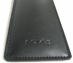【多くの工程を熟練した職人がひとつひとつ手間をかけて製造!】高級「SOMES」特製・革ケース(黒)