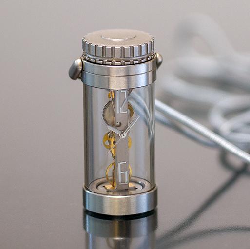 時計開発ユニット K&H 九年間の年月をかけて新開発 手巻式棒型ムーブメント 搭載した SPQRオリジナル 透明パイプ提げ時計 限定10本