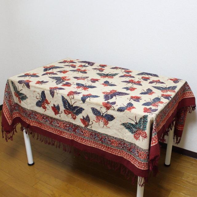 手描きバティックのテーブルクロス(蝶柄)