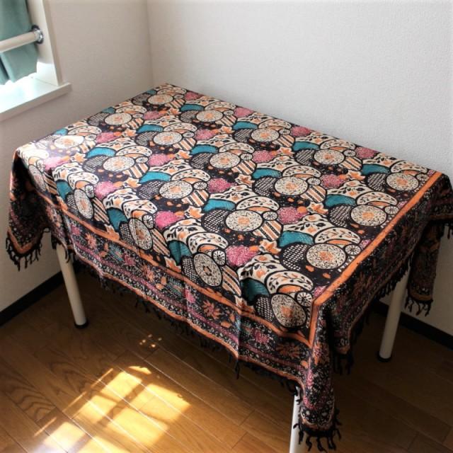 手描きバティックのテーブルクロス(ブラウン・花柄)