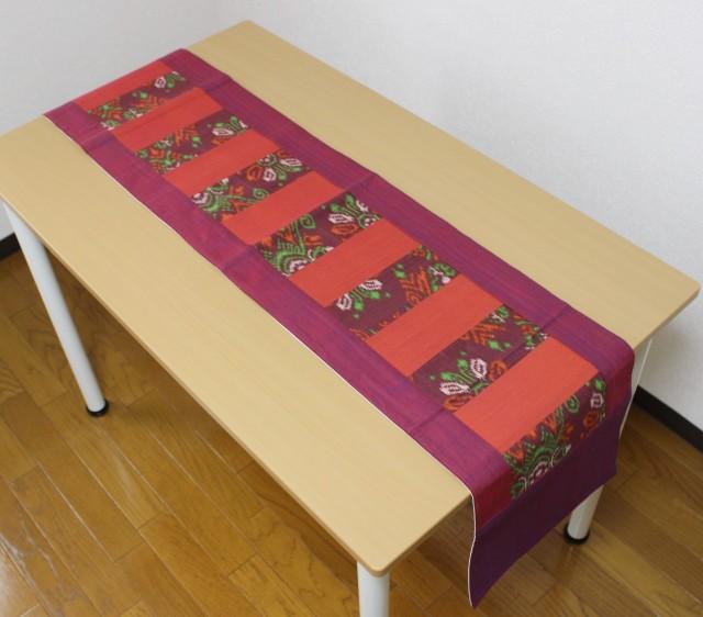バティックを使ったテーブルランナー(紫)