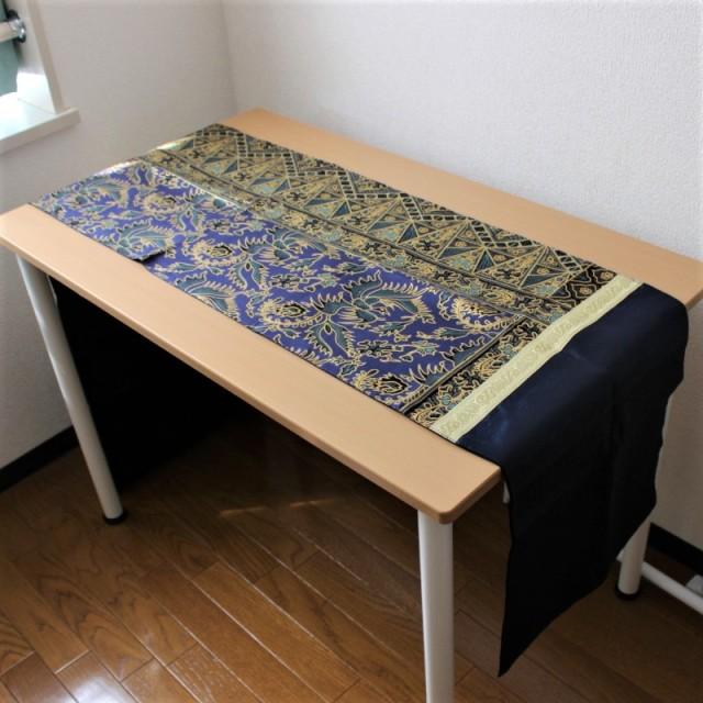 シルクのテーブルランナー(ネイビー)