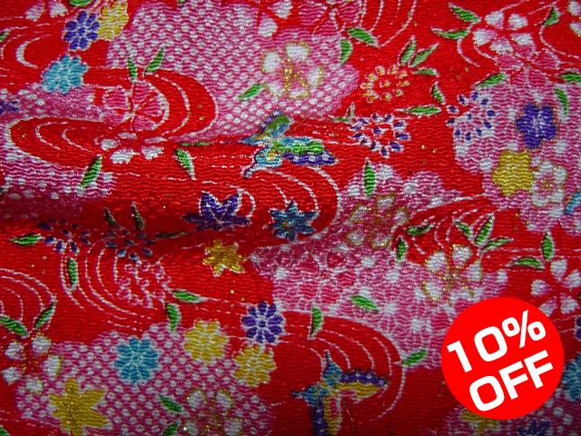 【10%OFF SALE!】京友禅 金彩ちりめん 流水文に花と蝶(赤) 10cm単位 切り売り