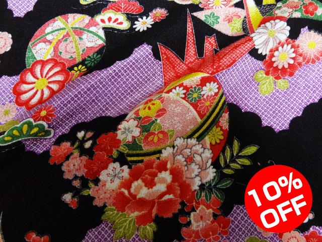 【10%OFF SALE!】友禅ちりめん 折鶴に扇文様(紫) 10cm単位 切り売り