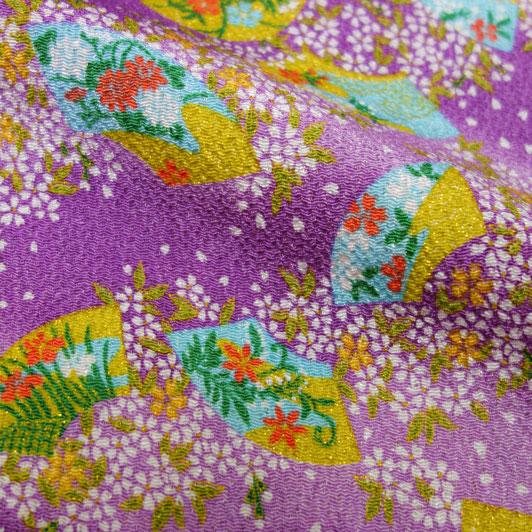 京友禅 金彩ちりめん 扇面に小桜(紫) 10cm単位 切り売り