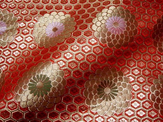 京都西陣織・金襴生地 広幅九釜亀甲菊(赤) 108cm巾 10cm単位 切り売り