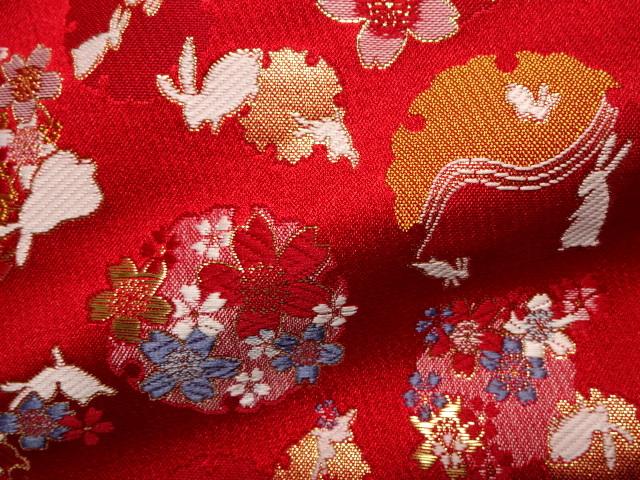 京西陣・金襴 生地 兎に雪輪桜(赤)  (和柄 和風 衣装 生地)