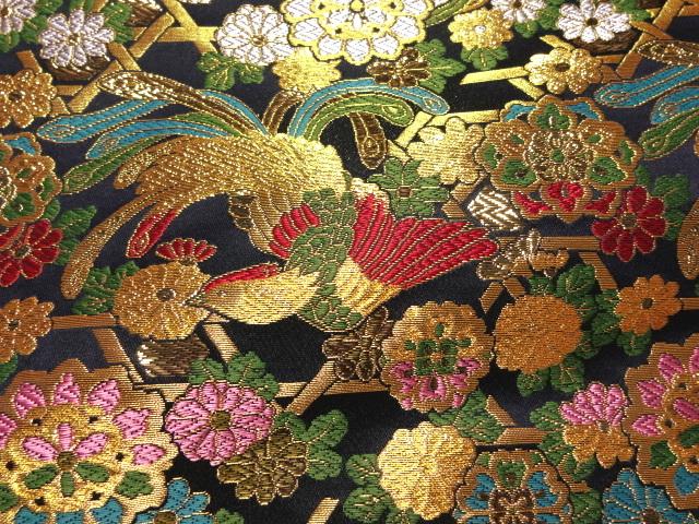 京西陣・金襴 生地 華文に尾長鳥 (紺)   (和柄 和風 衣装 生地)