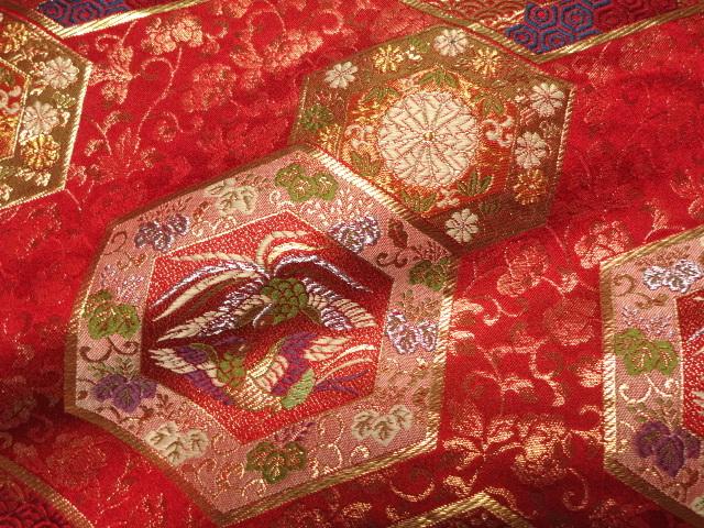 京西陣・金襴 生地 亀甲装束 (赤)  (和柄 和風 衣装 生地)