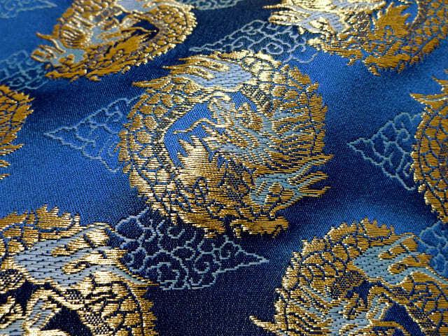 京西陣・金襴 生地 雲文地に丸龍 (青) 10cm単位 切り売り / 和柄 和風 衣装 生地 よさこい 舞台