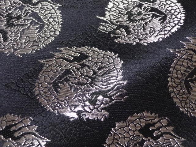 京西陣・金襴 生地 雲文地に丸龍(黒・銀) (和布 布和柄 和風 生地 よさこい 舞台 衣装)