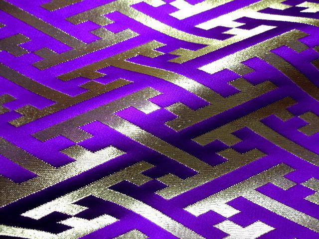 京西陣・金襴生地 紗綾形・中 (紫) 10cm単位 切り売り / 和柄 和風 衣装 生地