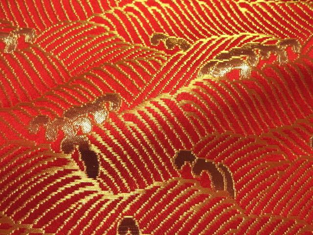 京西陣・金襴生地 波頭 (赤・金)  (和柄 和風 衣装 生地)