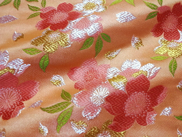 京西陣・金襴生地 爛漫大桜 (唐紅)  (和柄 和風 衣装 生地)