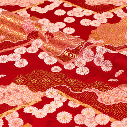 京都西陣織・金襴生地 山型地菊花文(赤) 10cm単位 切り売り 和柄 和風生地 はぎれ 布地 きんらん よさこい