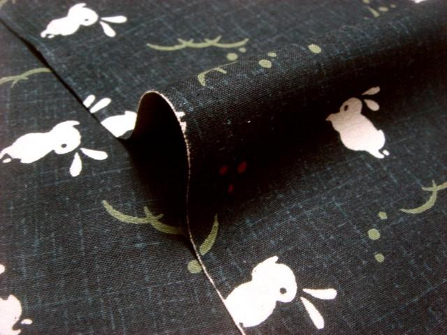 綿 和柄 兎(黒) 1m単位 切り売り