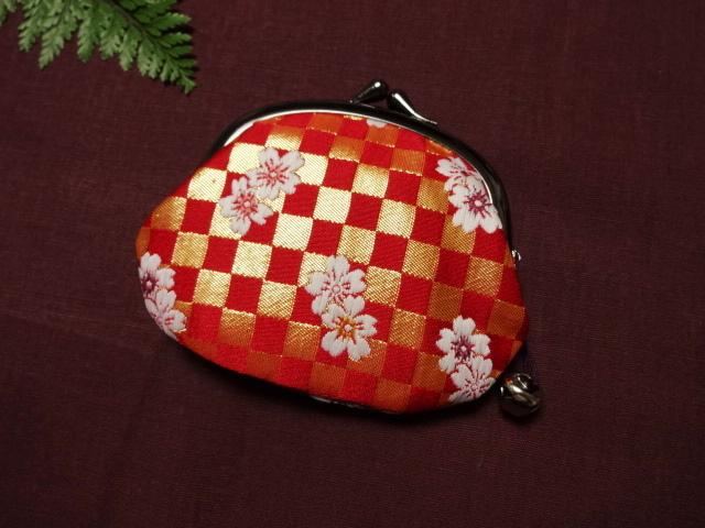 金襴 がま口 弁慶格子に桜(赤) (和柄 和風 小物)