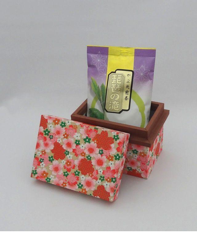 琵琶とミニ茶箱