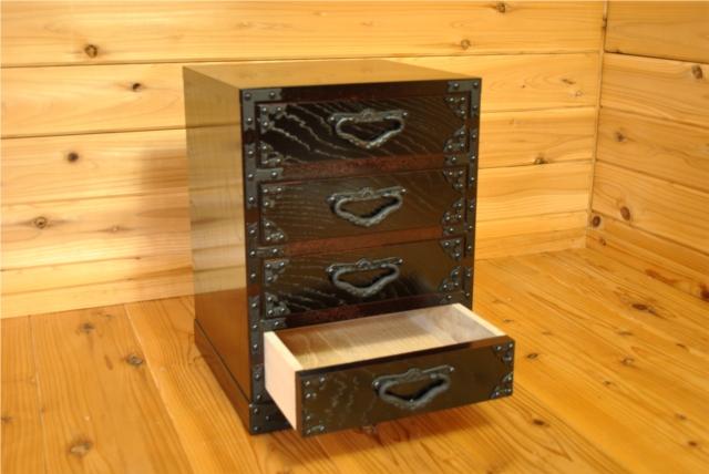 手造りのぬくもりが伝わる遠野民芸家具 小箪笥・4段