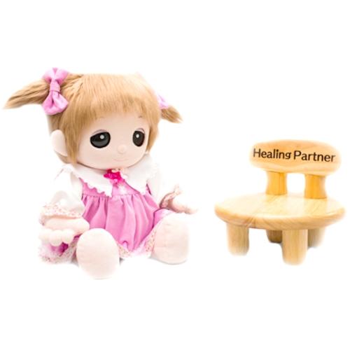 ユメル君・ネルルちゃん・ミルルちゃんの椅子 コンパクトウッドチェアが入荷しました。お部屋タイムにお勧めです。