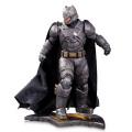 DCコレクティブルズ バットマンvsスーパーマン/ジャスティスの誕生 12インチ スタチュー アーマード バットマン