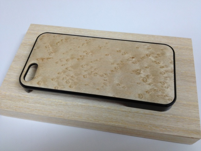 iPhone SE・iPhone 5/5s用 天然木ジャケット バーズアイメープル